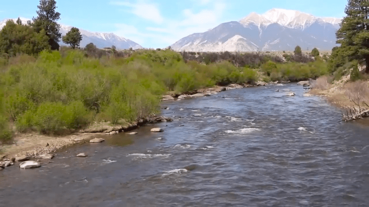Diy guide to fly fishing the arkansas river in colorado for Fly fishing arkansas