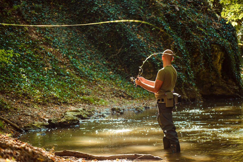how does fly fishing work